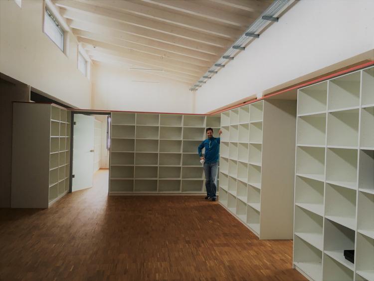 Einige Mitarbeiter der mk-messtechnik GmbH sind in die tollen Büros im Neubau